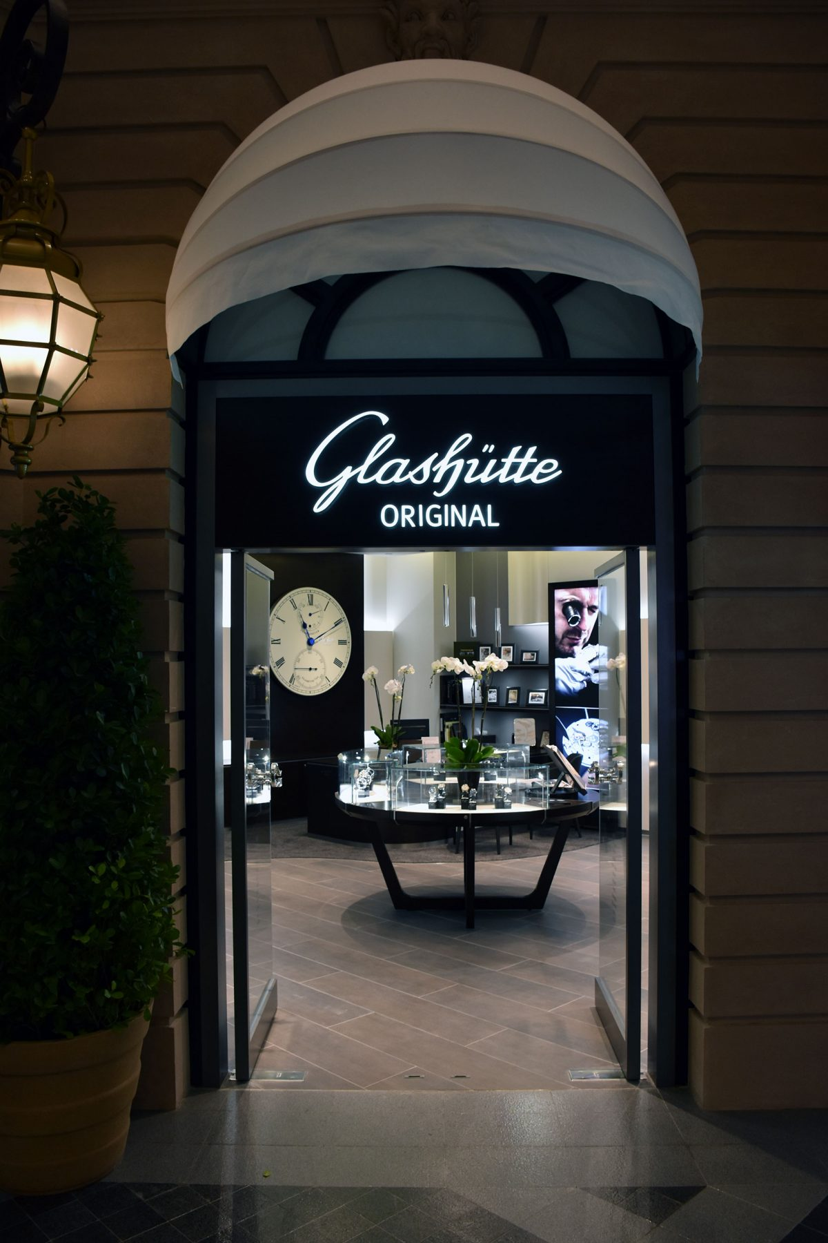 The Parisian Store - Glasshüte